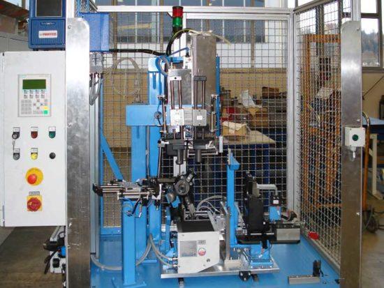 Prüfanlage mit Labeldrucker, Pritzpräger und DMC Scanner
